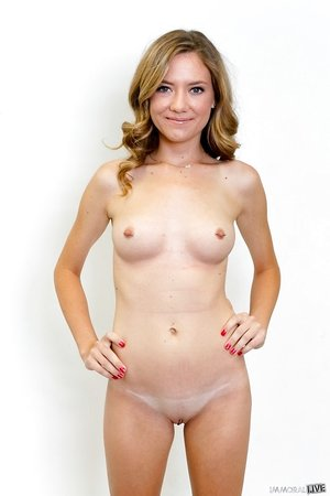 Teenage Alison Faye unclothes and demonstrates figure in the front and in the back