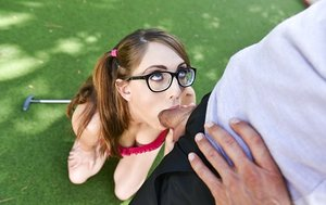 Nerdy teenage dame Nickey Hunstman gives her golf instructor a oral pleasure