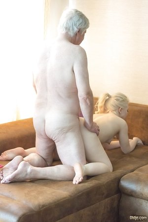 Young ash-blonde lady Anna Ray gives her sugar daddy a rubdown before smashing him
