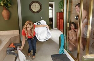 Exceptional bombshells Cassidy Banks and Alyssa Lynn give him a deep-throat before sticking
