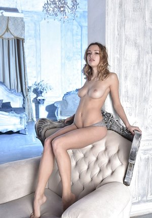 Erotic hotty Maxa stripping to stretched bare demonstrating flawless small booty