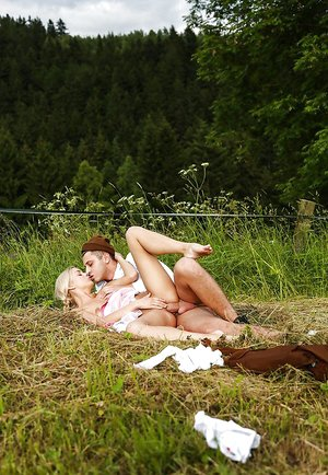 European female nails with her mischievous boyfriend outdoors takes jizz in cooter
