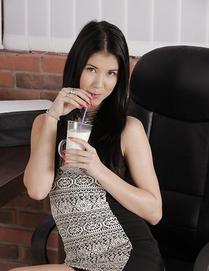Office hotty Dee drains her flawless clean-shaven labia at work