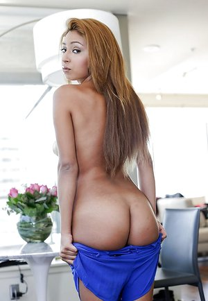 Smooth tanned babe Sarai opening up her legs and disrobes torrid